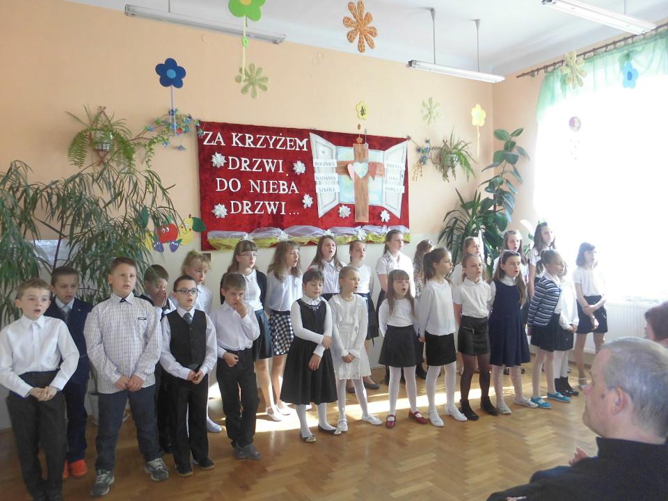 W rocznicę nadania szkole imienia Jana Pawła II