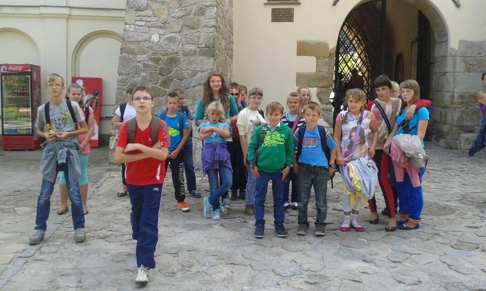 Lekcja plastyki i historii na Zamku Kazimierzowskim w Przemyślu