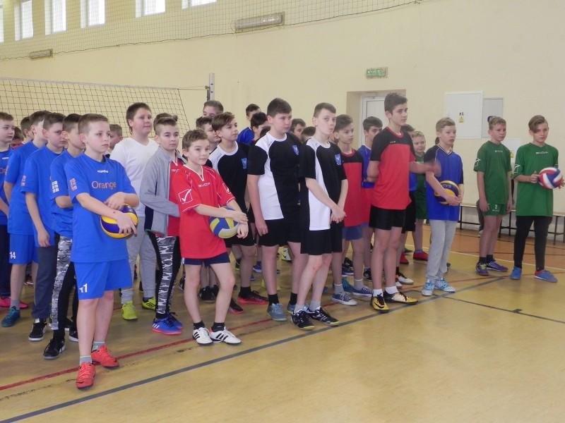 Gminny turniej mini siatkówki chłopców